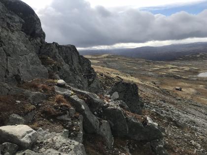 To liggeplasser på berghyller